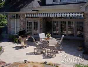 The 4 Types of Retractable Awnings