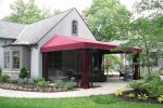 Discover the benefits of vinyl fabric for your home awning.
